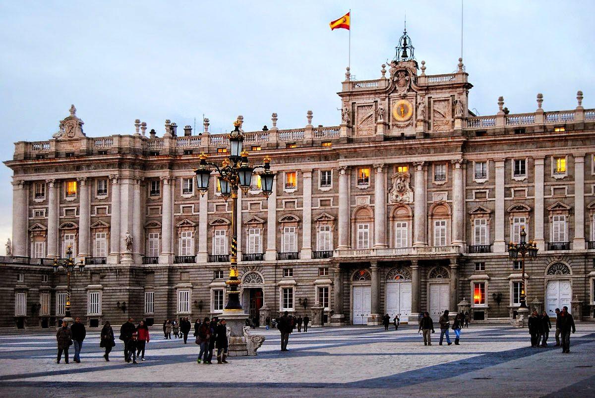 圣诞节在马德里-2_图1-3