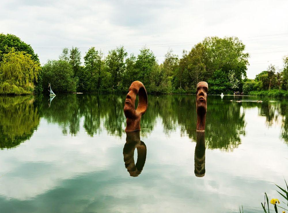 多塞特湖边的雕塑_图1-5