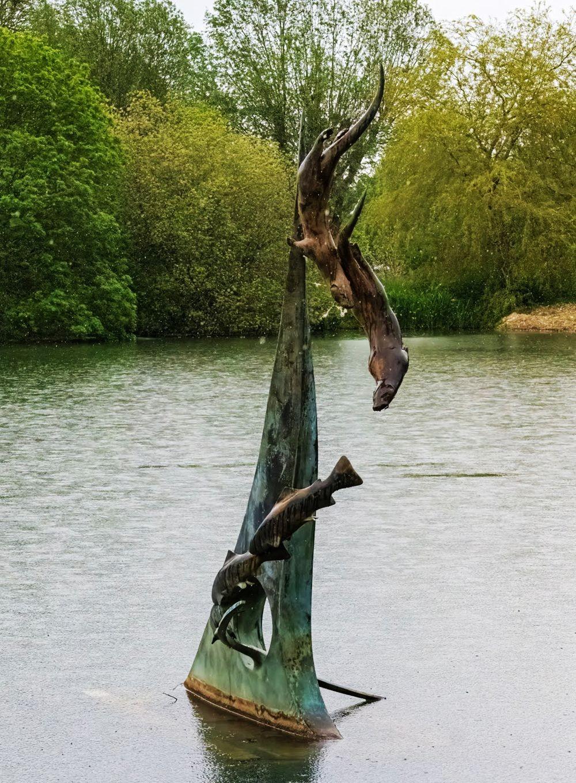 多塞特湖边的雕塑_图1-14