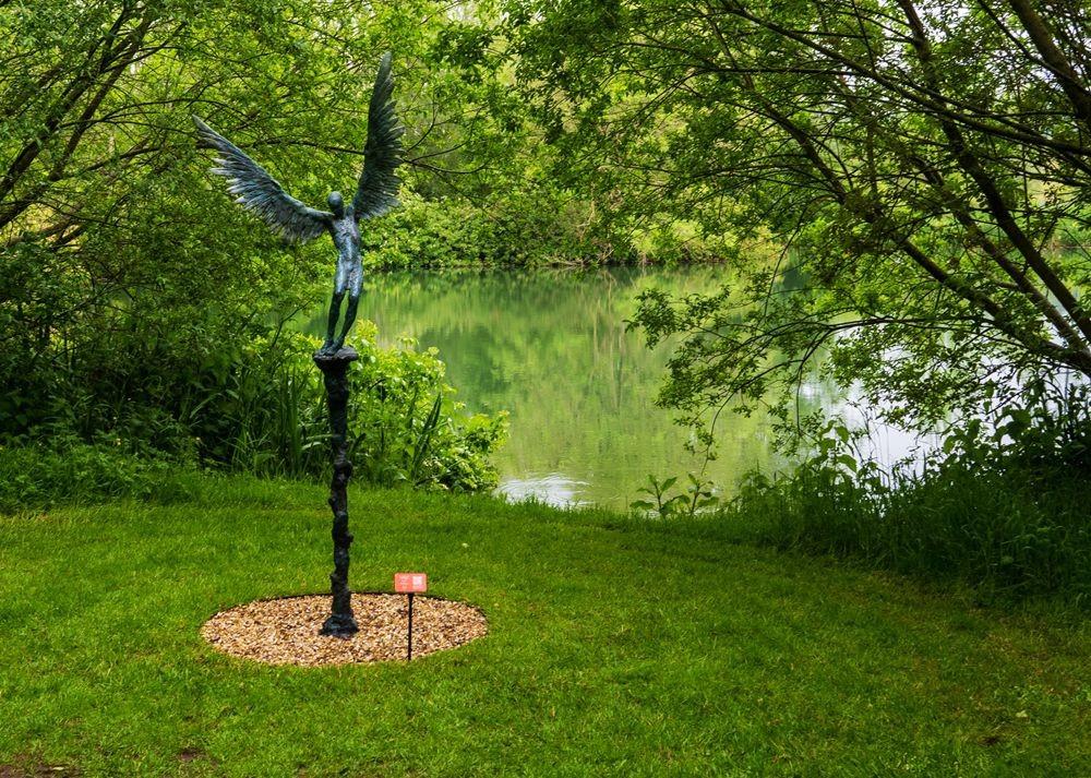 多塞特湖边的雕塑_图1-24