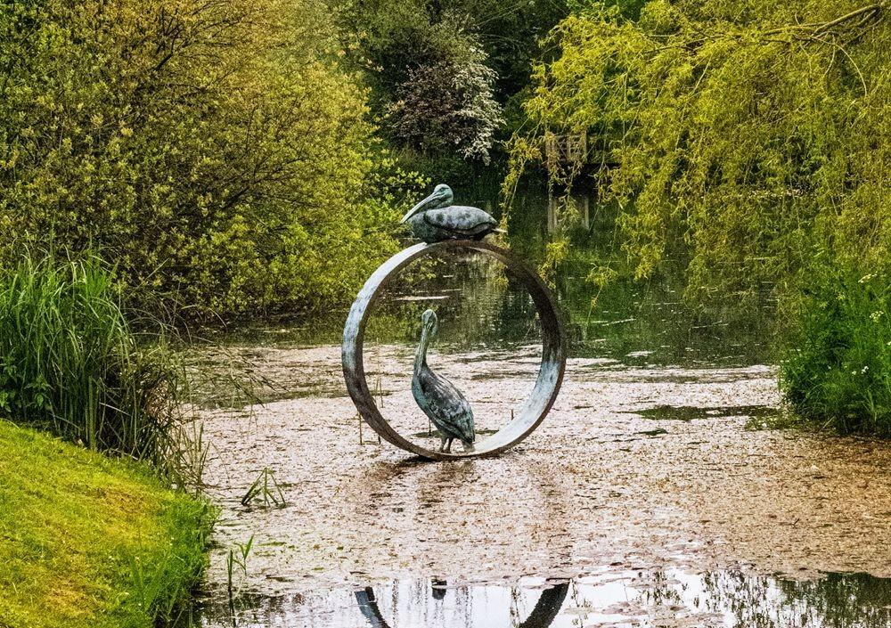 多塞特湖边的雕塑_图1-28