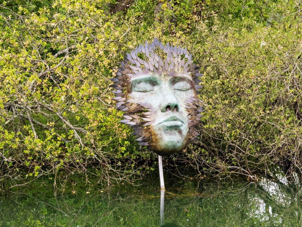 多塞特湖边的雕塑_图1-31