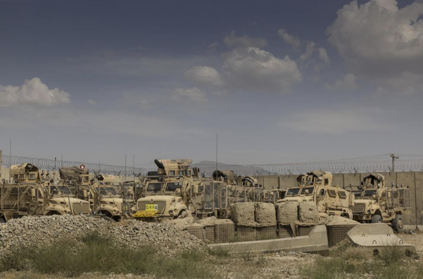 美军在一夜间撤离阿富汗某空军基地_图1-3