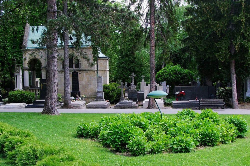 萨格勒布公墓_图1-15