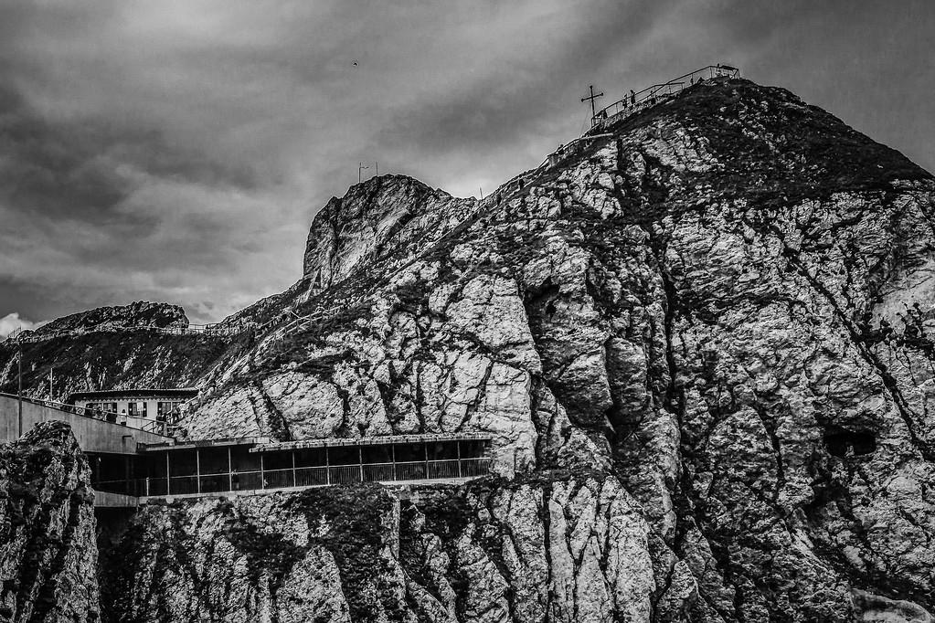 瑞士卢塞恩(Lucerne),俯瞰山峦_图1-2
