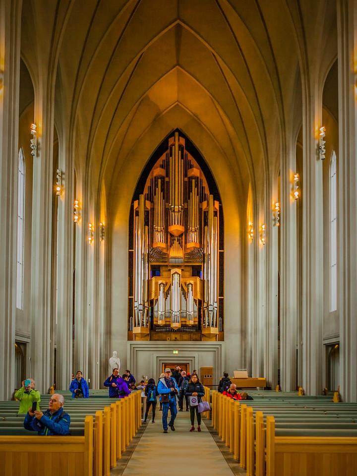 冰岛Hallgrimskirkja教堂,城市一景_图1-1