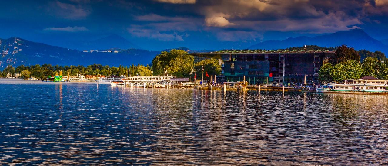 瑞士卢塞恩(Lucerne),湖边山景_图1-7