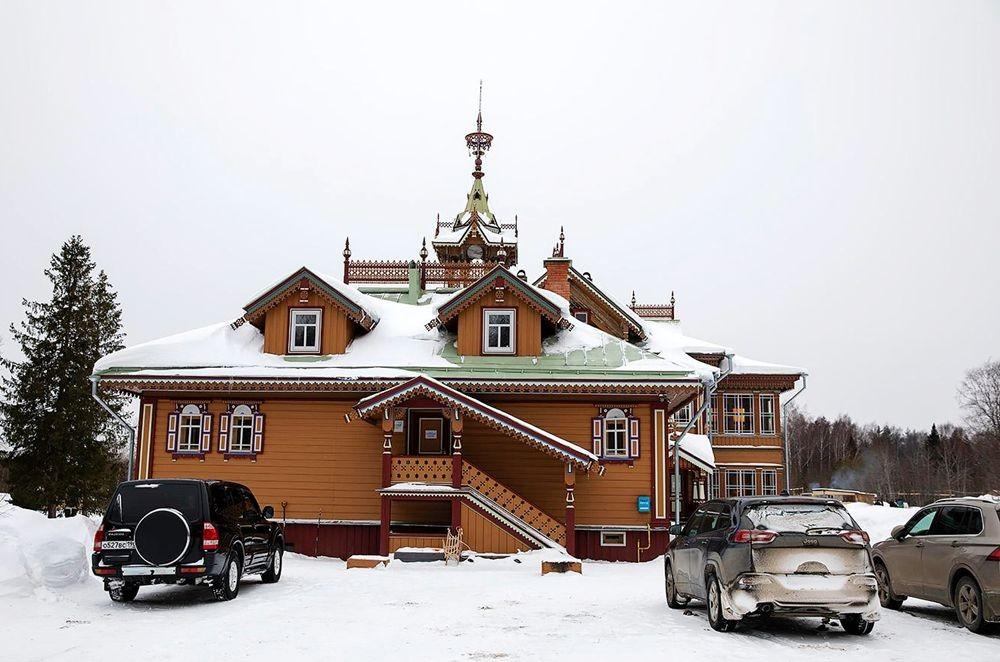 白雪皑皑的阿斯塔绍沃建筑_图1-2