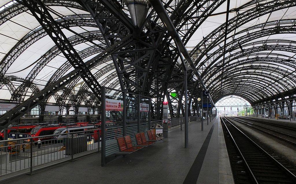 德累斯顿-茨温格宫与中央火车站_图1-32