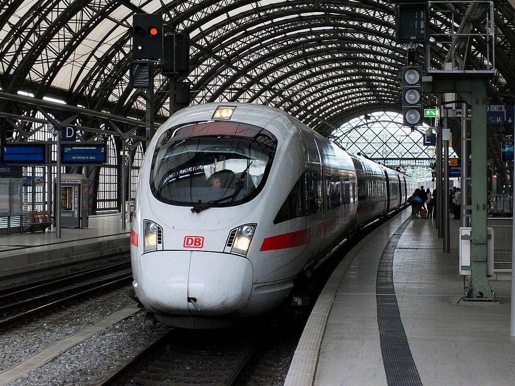 德累斯顿-茨温格宫与中央火车站_图1-35