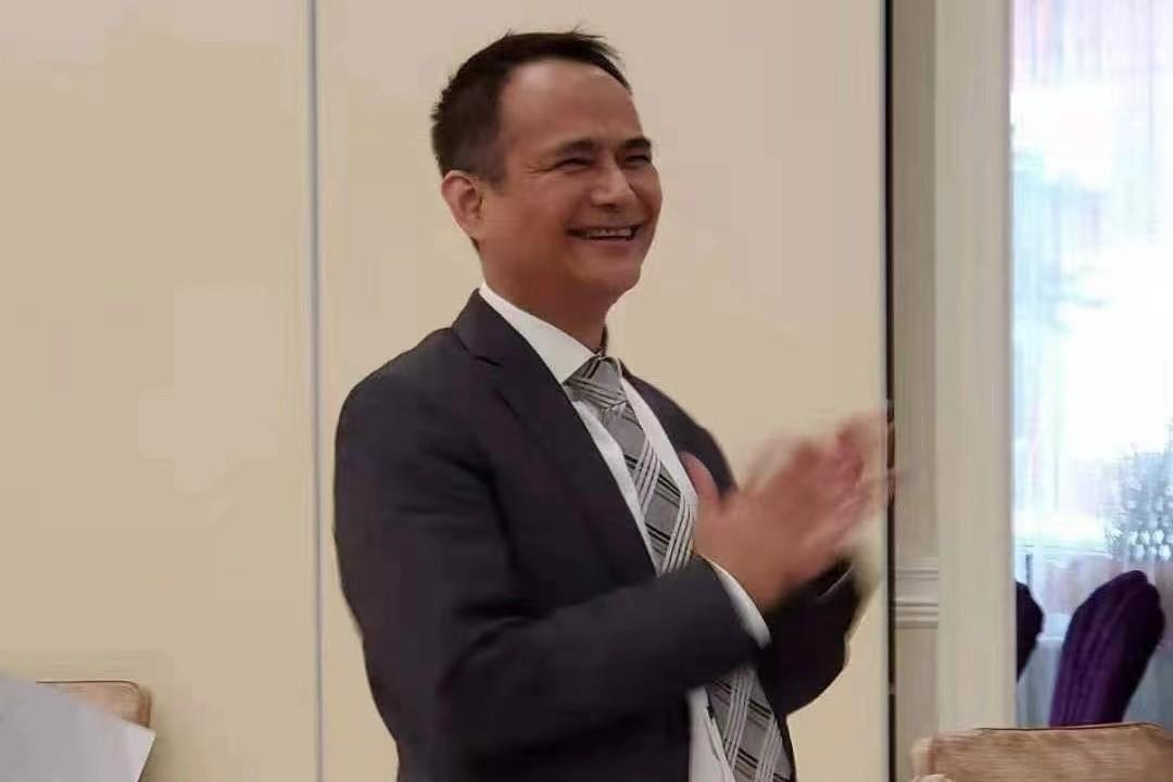 美国V视:江锦鑫(GaryKong)博士高票当选美国纽约中美商会新任会长 ..._图1-2