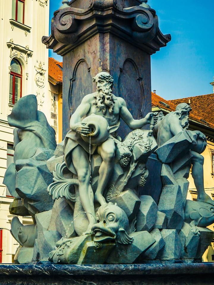 斯洛文尼亚首都卢布尔雅那(Ljubljana),雕塑景观_图1-10