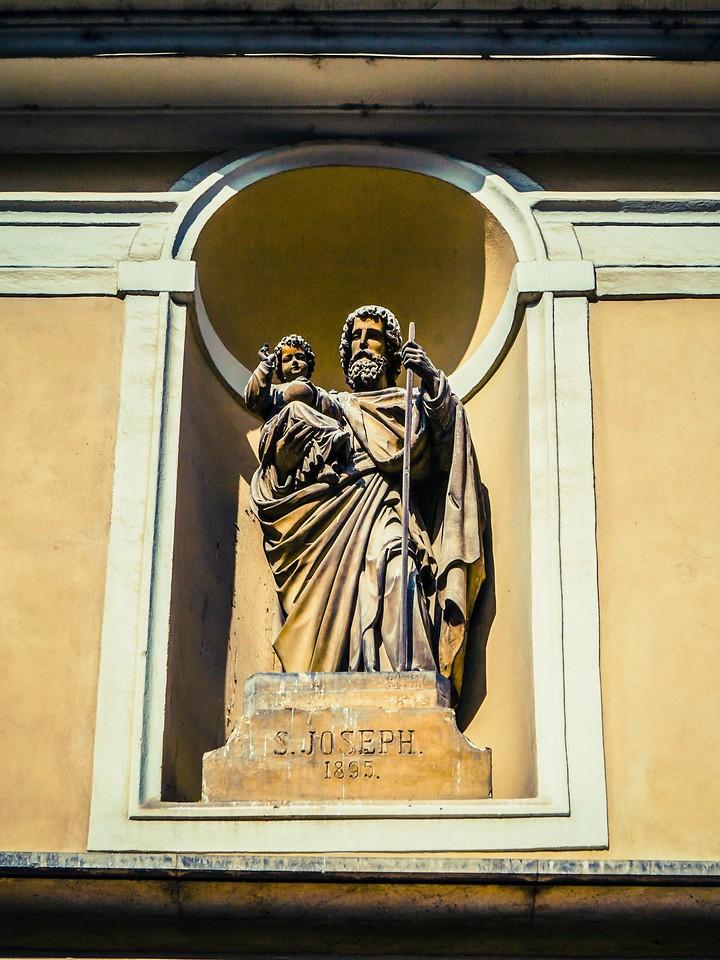 斯洛文尼亚首都卢布尔雅那(Ljubljana),雕塑景观_图1-9