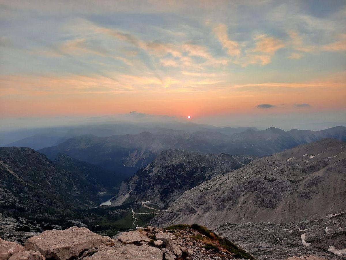 克恩山上看日出_图1-5