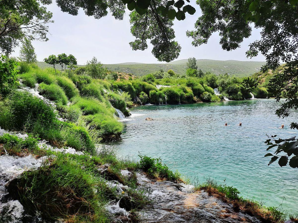 克罗地亚三河形成的湖泊_图1-14