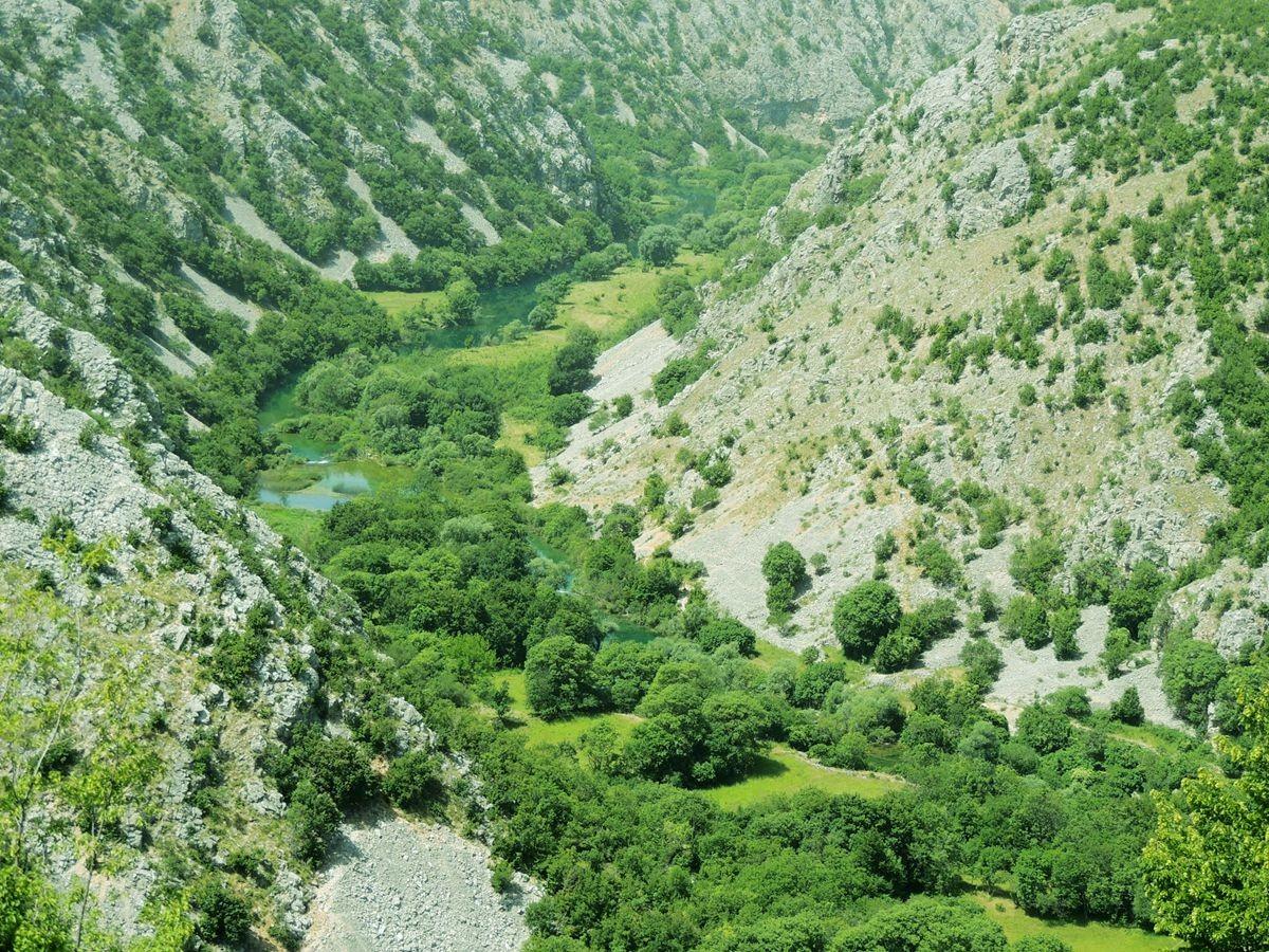 克罗地亚三河形成的湖泊_图1-17