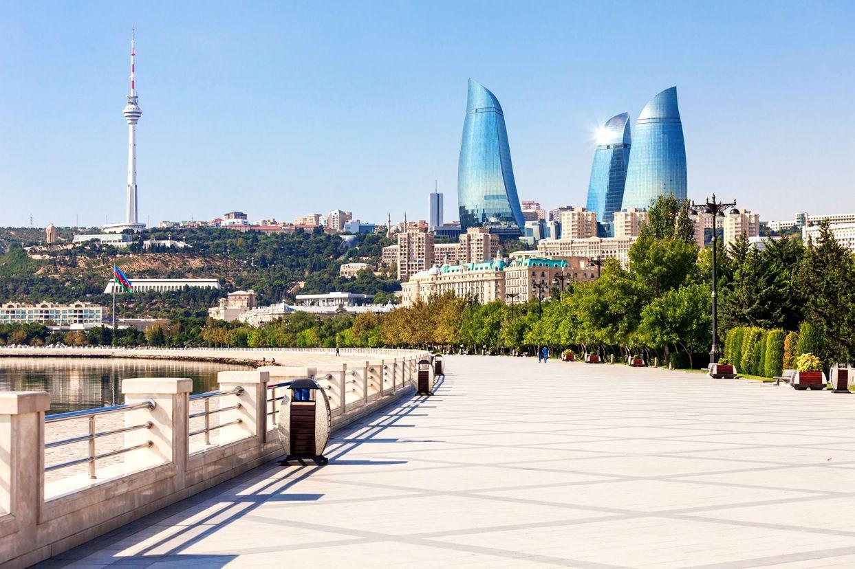 访问阿塞拜疆_图1-2