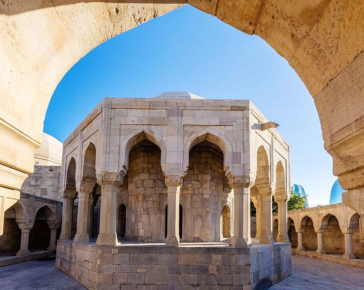 访问阿塞拜疆-2_图1-24