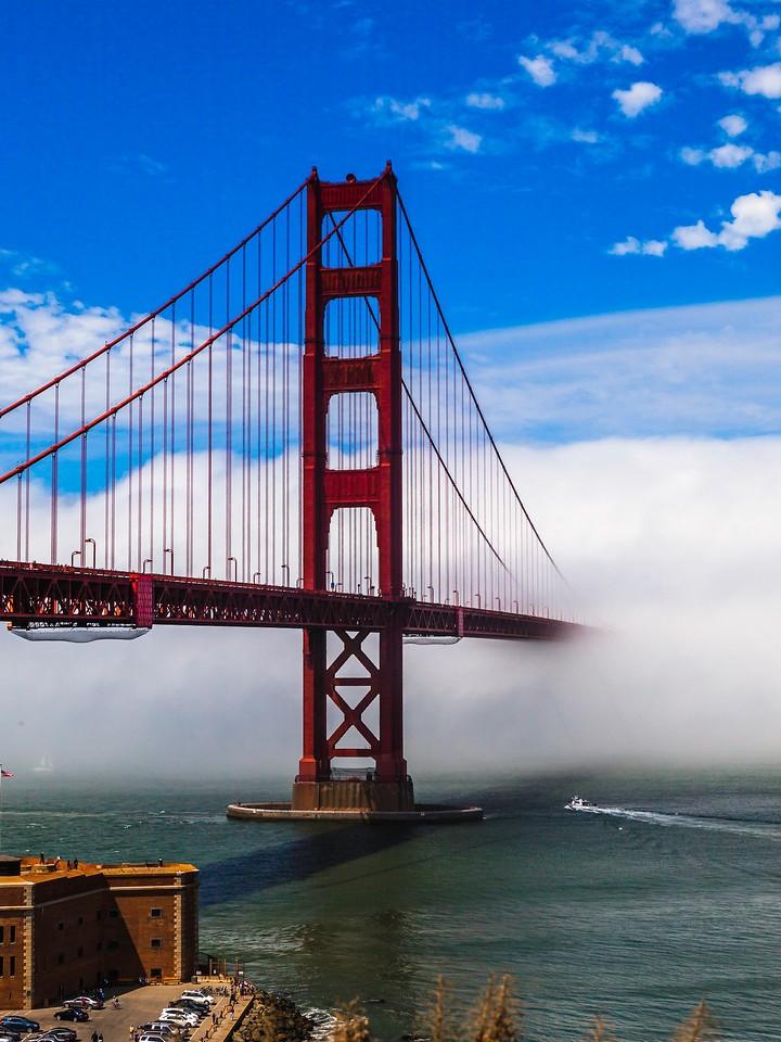 旧金山金门大桥,穿云而过_图1-1
