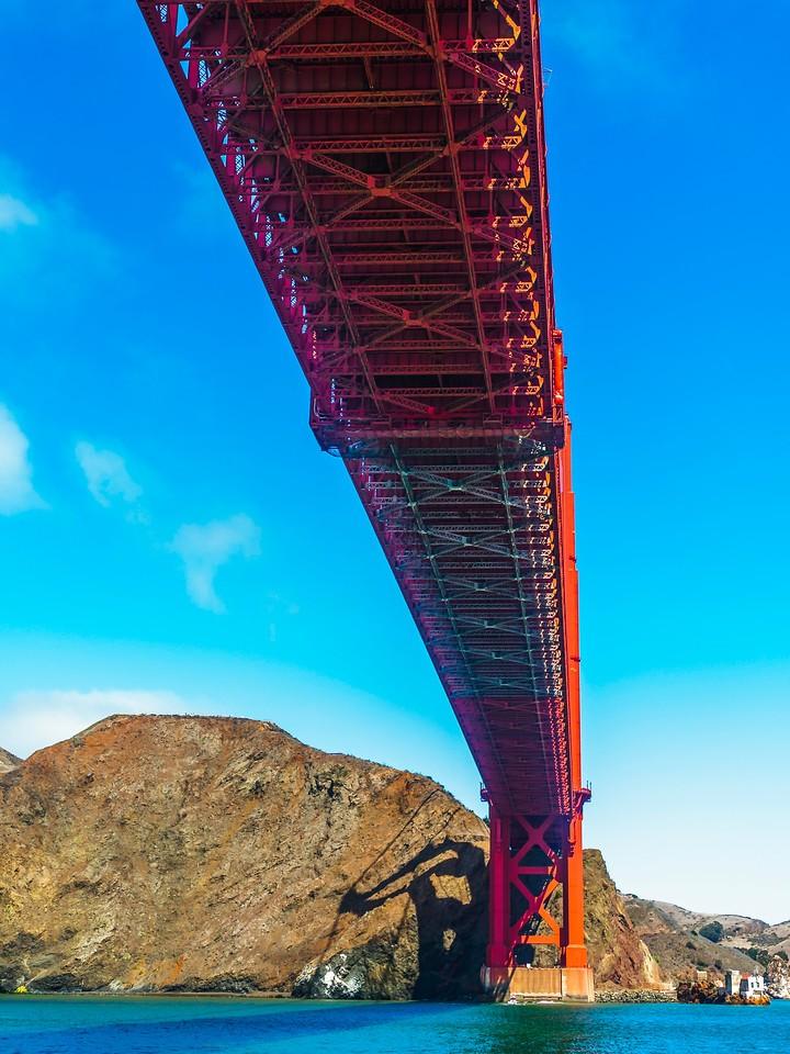 旧金山金门大桥,穿云而过_图1-2