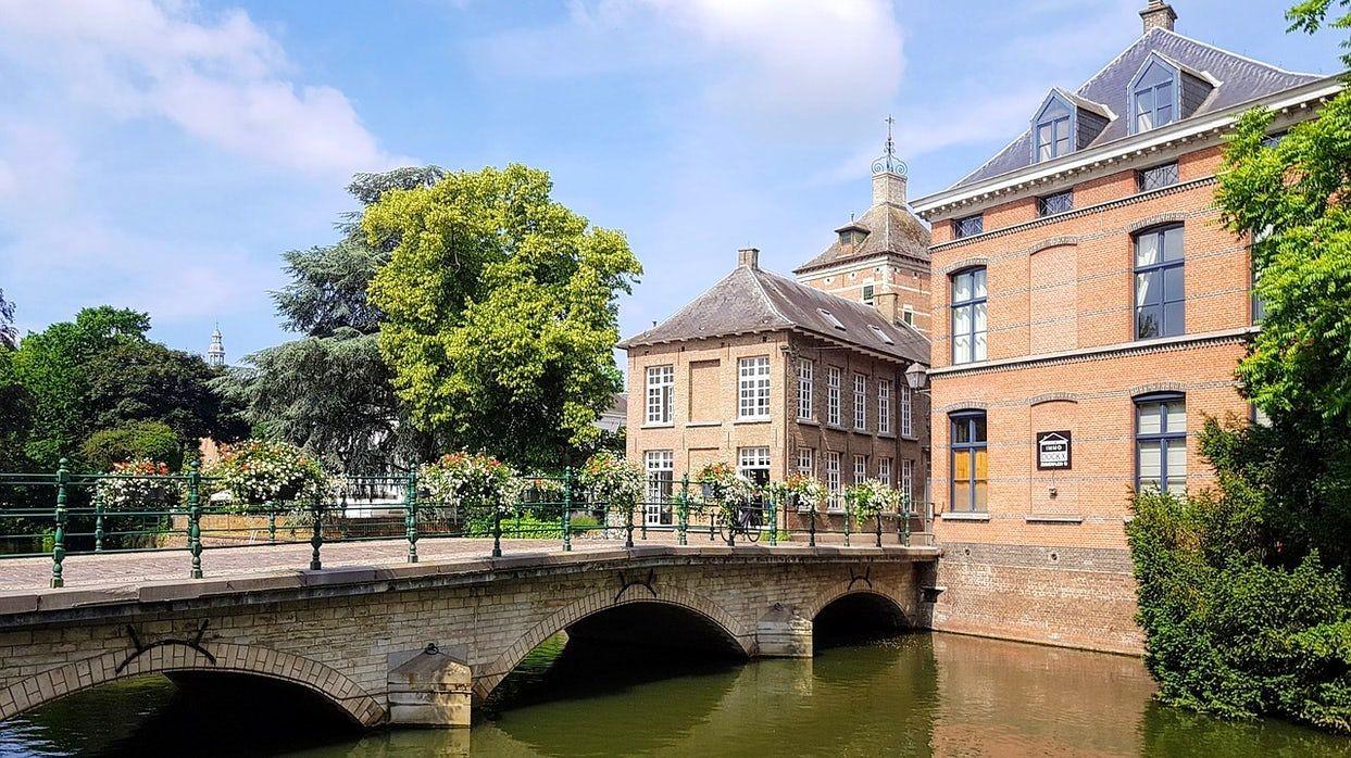参观比利时-2_图1-27