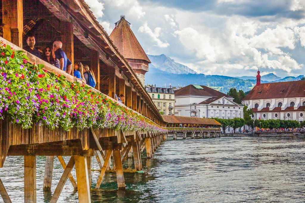 瑞士卢塞恩(Lucerne),湖边景色_图1-15