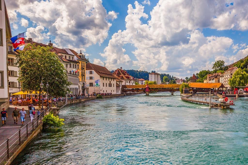 瑞士卢塞恩(Lucerne),湖边景色_图1-4