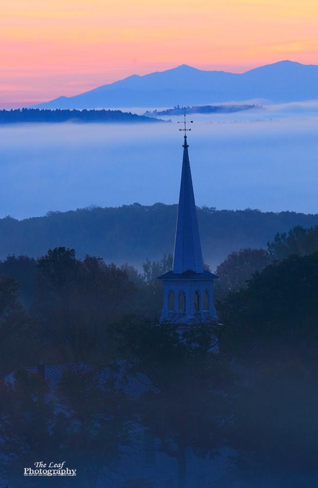 peacharm church Sun Rise 佛蒙特州日出和雾海 10-08-2021_图1-5