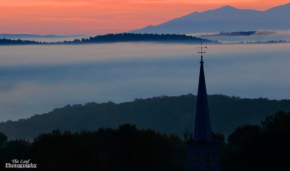 peacharm church Sun Rise 佛蒙特州日出和雾海 10-08-2021_图1-4