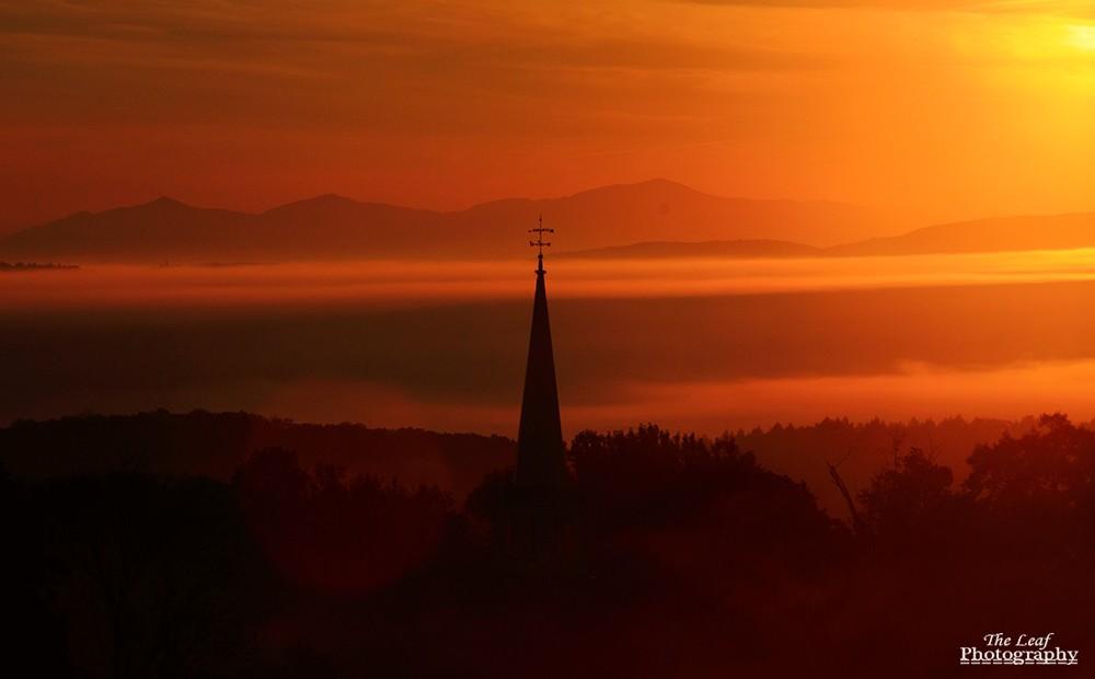 peacharm church Sun Rise 佛蒙特州日出和雾海 10-08-2021_图1-9