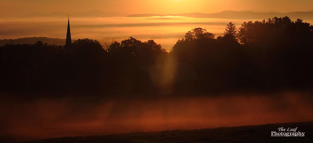 peacharm church Sun Rise 佛蒙特州日出和雾海 10-08-2021_图1-10