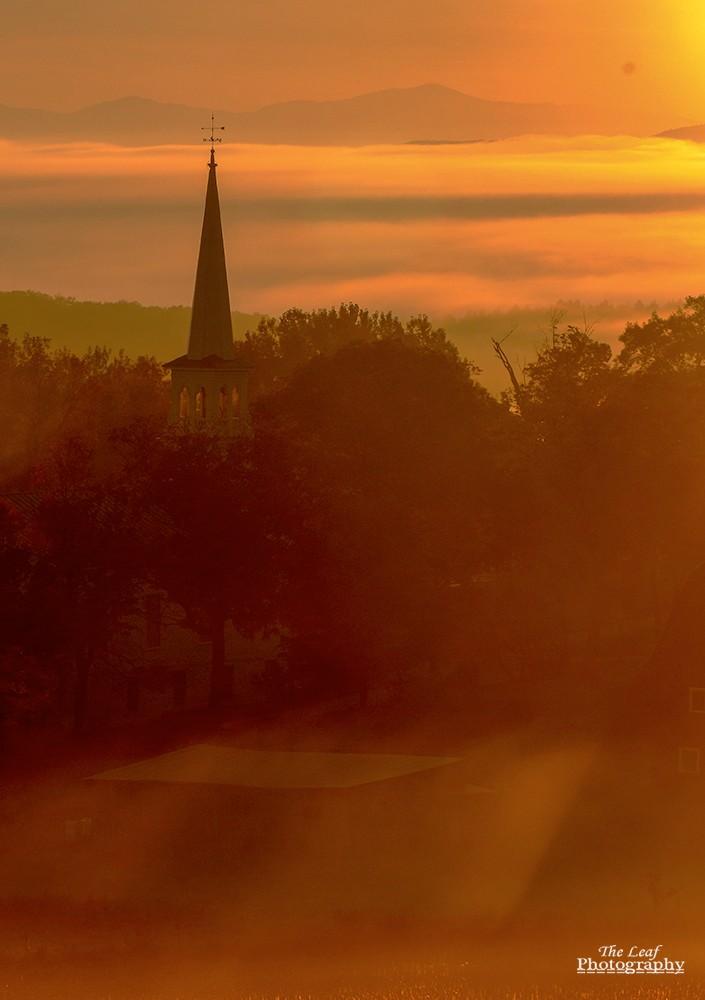 peacharm church Sun Rise 佛蒙特州日出和雾海 10-08-2021_图1-11