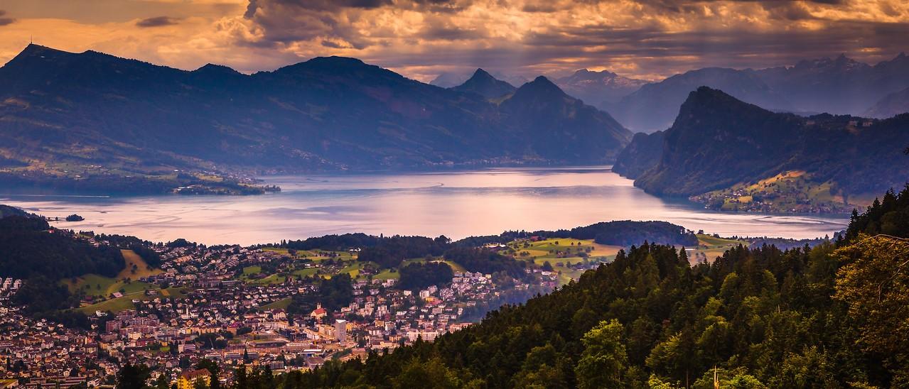 瑞士卢塞恩(Lucerne),湖中小岛_图1-12