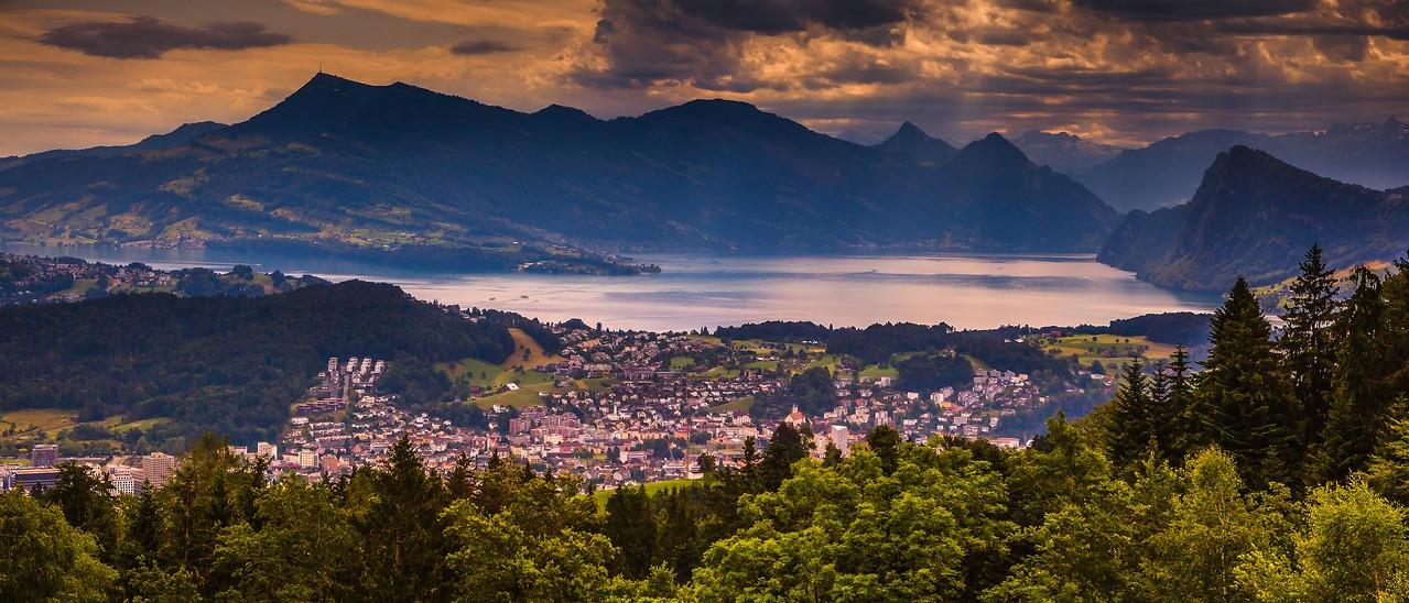 瑞士卢塞恩(Lucerne),湖中小岛_图1-2