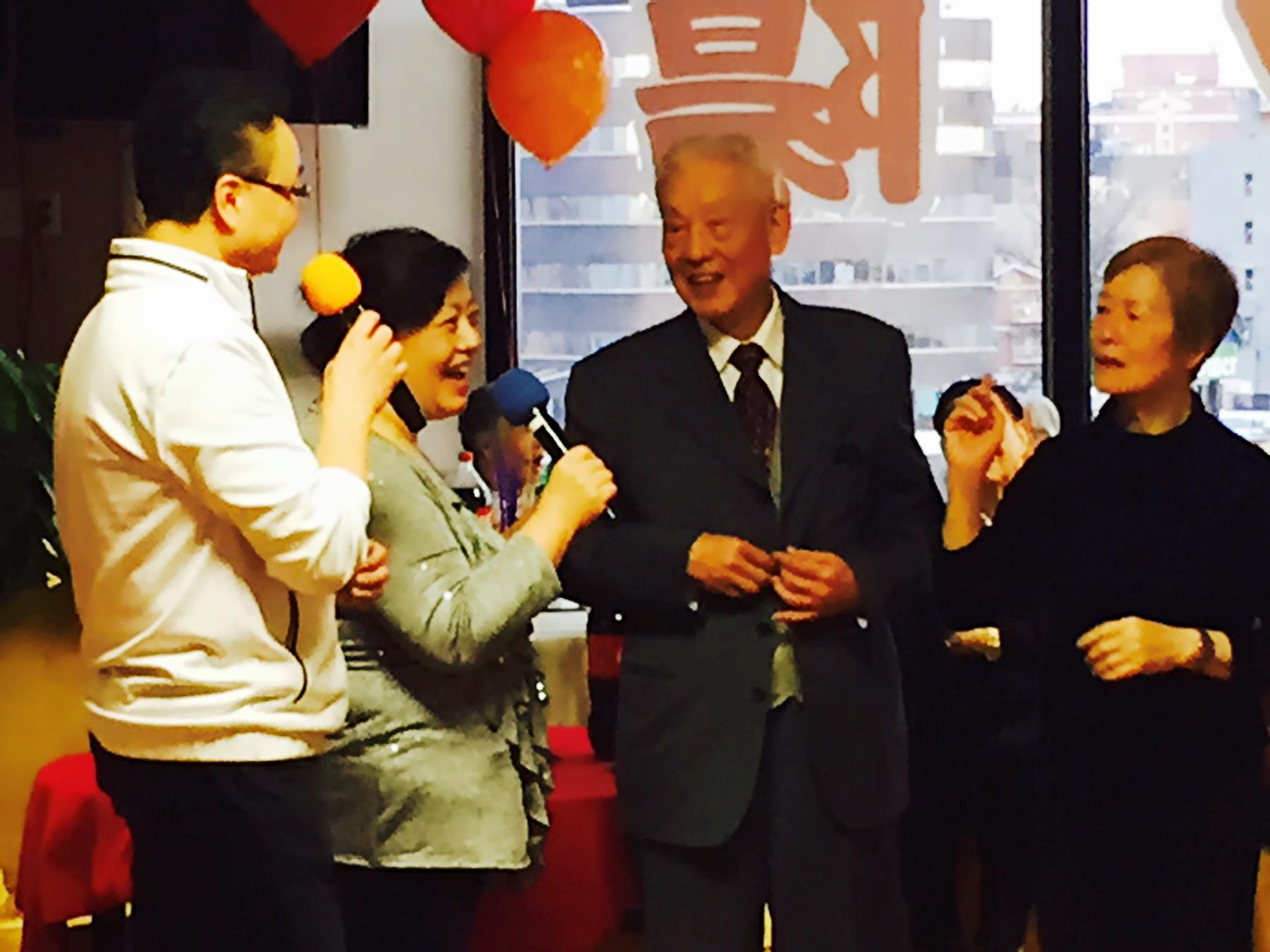 夕阳红老人日间护理中心感恩节前齐聚一堂欢度佳节【组图】_图1-5