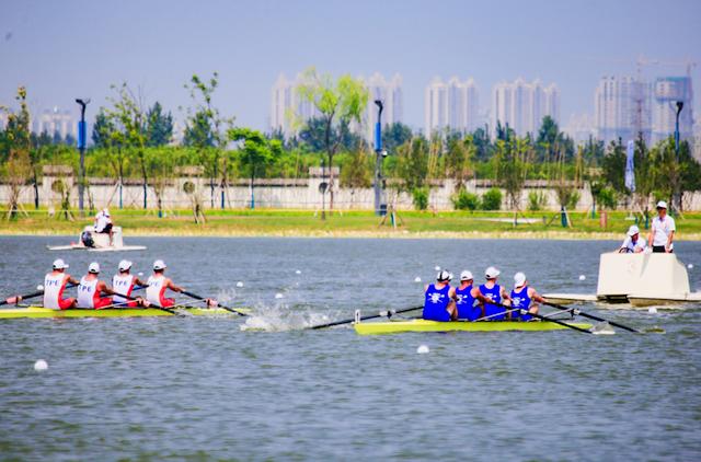 第二届西安昆明池国际名校赛艇对抗赛在西咸新区沣东新城举行