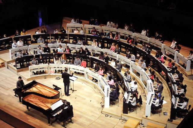 郎朗国际音乐基金会举办慈善晚宴庆祝十周年 音乐使生活更美好
