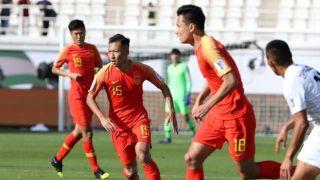 亚洲杯开门红!中国男足2比1逆转吉尔吉斯斯坦,对手门将送大礼