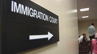 报告:10万移民案听证会或因政府关门被取消 重新安排最多需要等四年