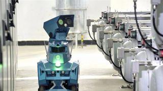 未来感十足!智能巡检机器人进驻北京新机场变电站