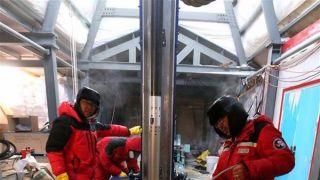 南极冰盖之巅 中国钻取深冰芯