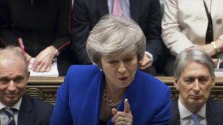 英国政府挺过不信任投票 脱欧将面临哪些局面?