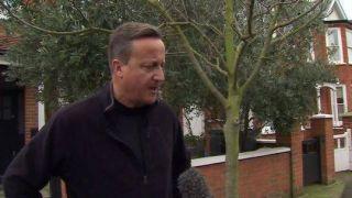 英国脱欧协议被否决 前首相卡梅伦:支持特蕾莎·梅