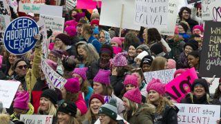 女性大游行回归! 华盛顿等多地女性寒风中呐喊诉求(多图)