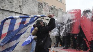 反对马其顿更改国名协议,雅典数千人抗议骚乱冲突(多图)