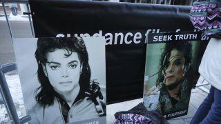 迈克尔•杰克逊虐童纪录片引骂战 导演收死亡威胁