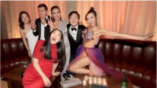 《摘金奇缘》亚裔演员被集体认错 主创怒斥要求杂志道歉