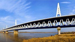 """中国高铁为何钟情""""大桥""""?"""