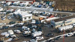 伊州企业枪案嫌犯被捕 已致1死4警员受伤