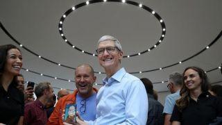 iPhone遭遇销售困境 苹果高层大换血要变革
